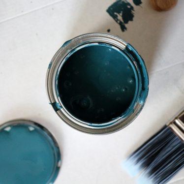 Step-by-Step: Möbel abschleifen und lackieren