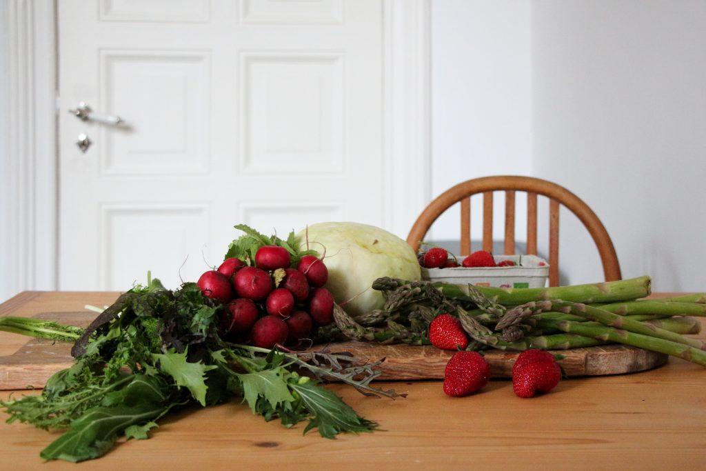 Regionale Küche im Mai – Fladenbrot mit gebratenem Spargel