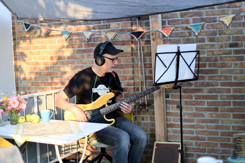 Gemeinsam alleine musizieren – das Corona Spezial Orchester