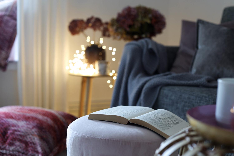 Mach's dir kuschelig – 3 Looks für mehr Gemütlichkeit im Wohnzimmer! + Adventsverlosung