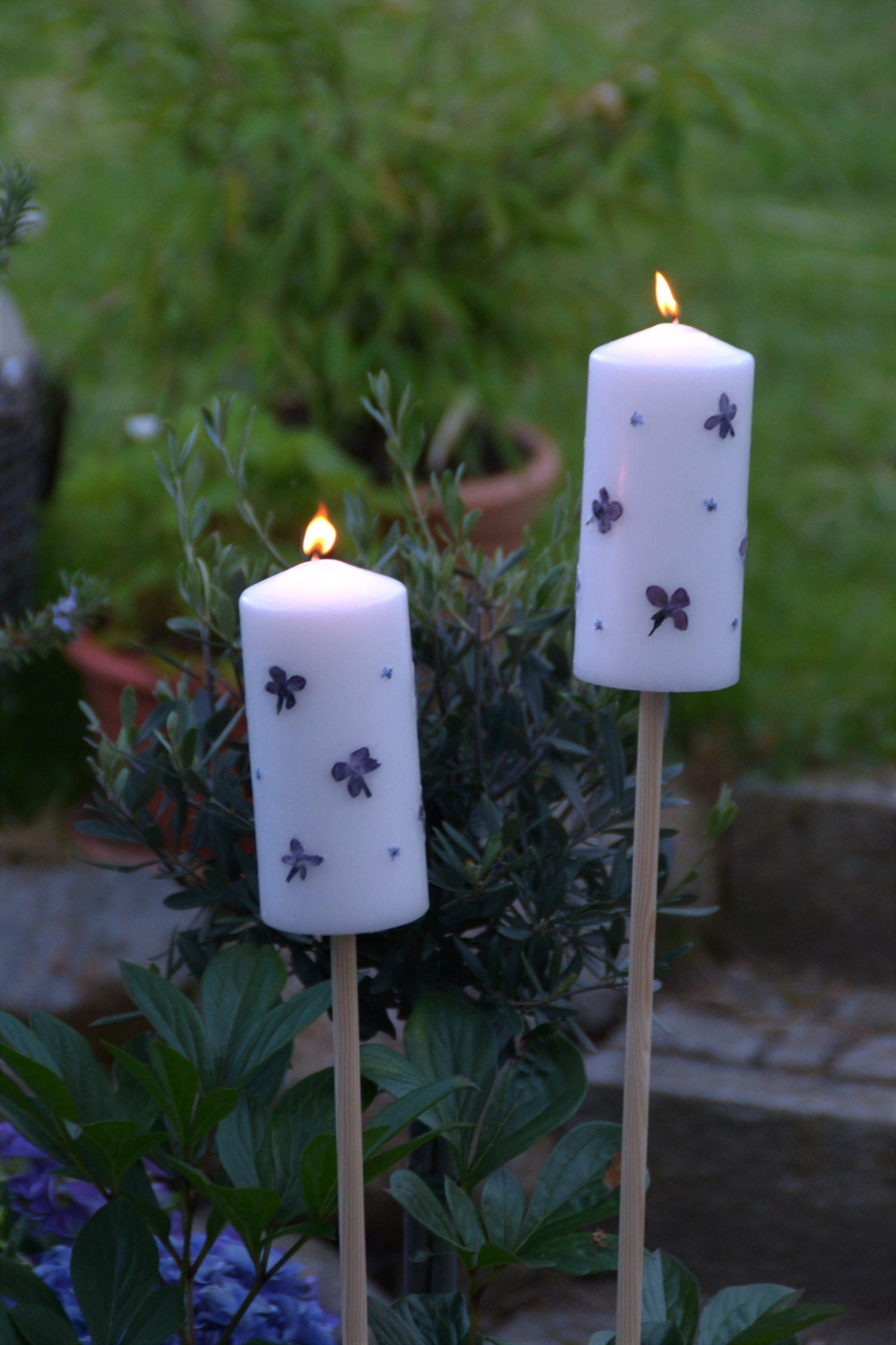Kerzen gestalten als Midsommar-Deko