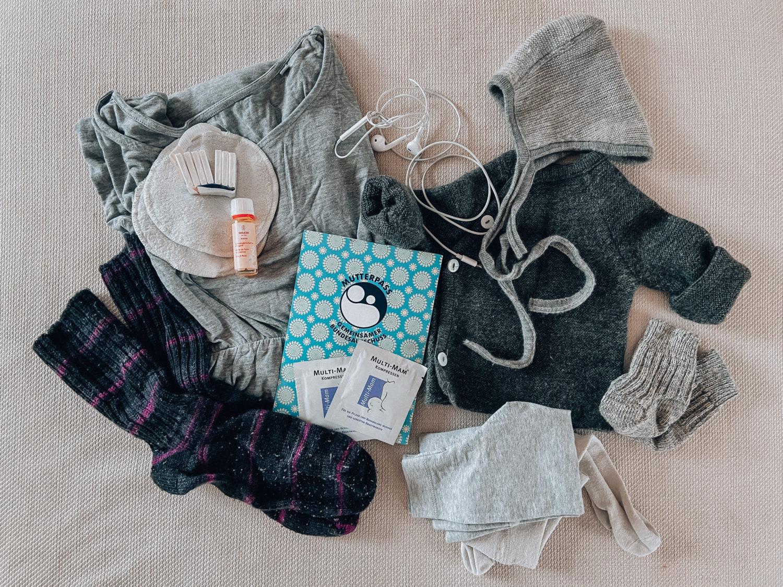 Geburtsvorbereitung: Kliniktasche und Must-Haves für das Wochenbett